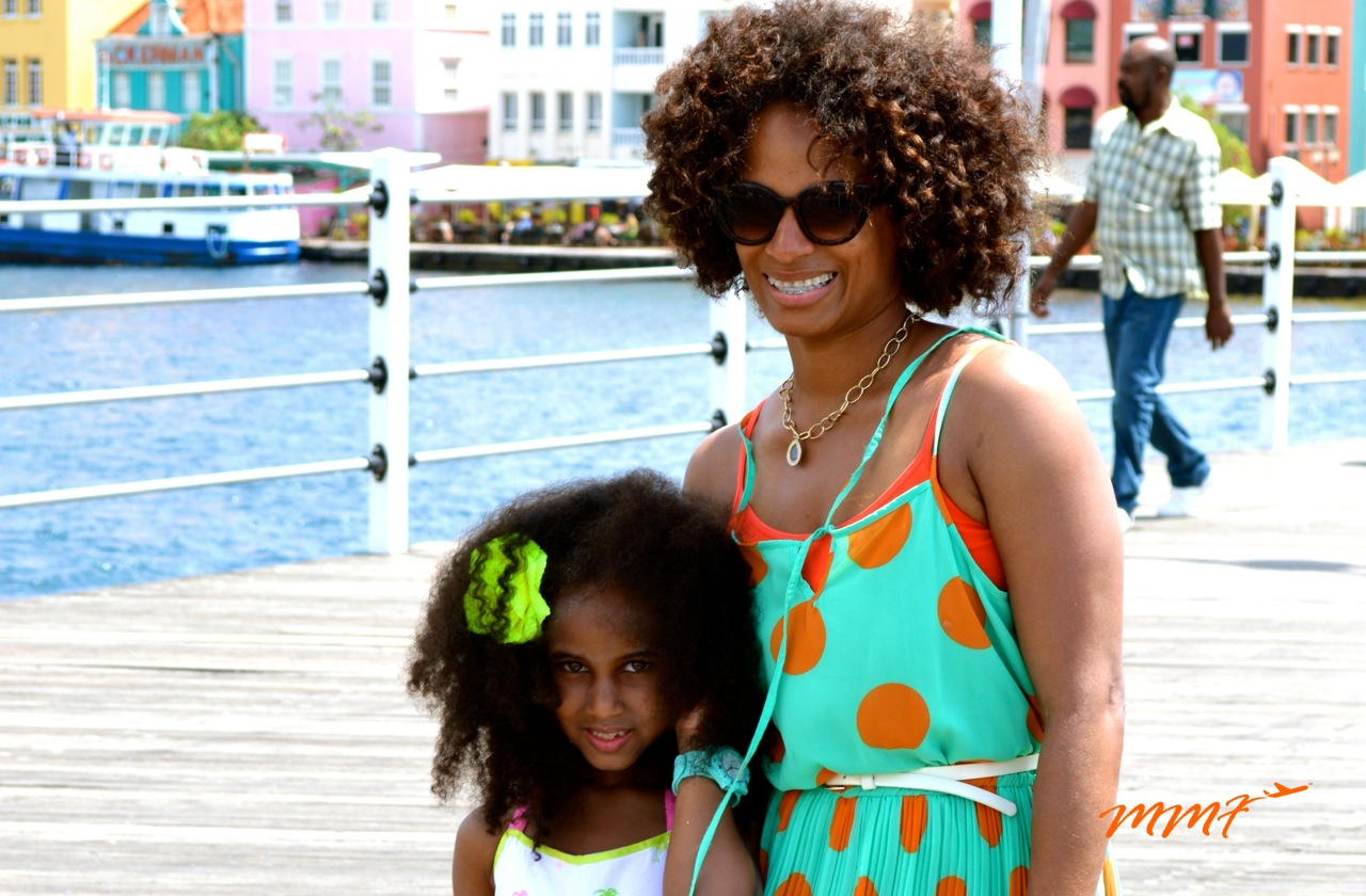 Family-travel-to-Curacao